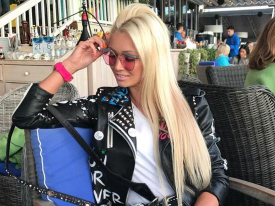 Светлана Карпухина объяснила, почему рок-певец не стал афишировать свою свадьбу