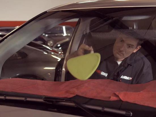 Как убрать разводы на внутренней стороне лобового стекла машины