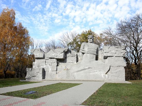 Добровольцы приводят в порядок воинские захоронения в Ставрополе