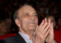 4 апреля на 89-ом году скончался  кинорежиссер Георгий Данелия, автор таких фильмов как «Мимино», «Не горюй!» «Осенний марафон», «Афоня»