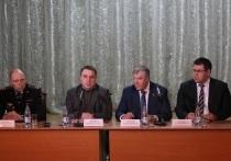 — Я готов взять на себя ответственность за решение вопросов, поэтому я здесь и нахожусь, — подчеркнул Дмитрий Жариков