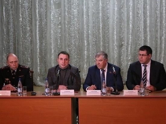 Жители Большевика рассказали главе о многолетних проблемах