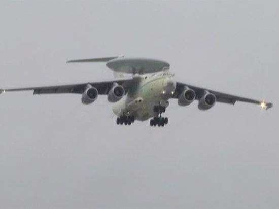 Секретный российский самолет впервые пролетит над Красной площадью 9 мая