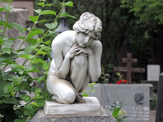 Союз кинематографистов попросил похоронить Данелию на Новодевичьем кладбище