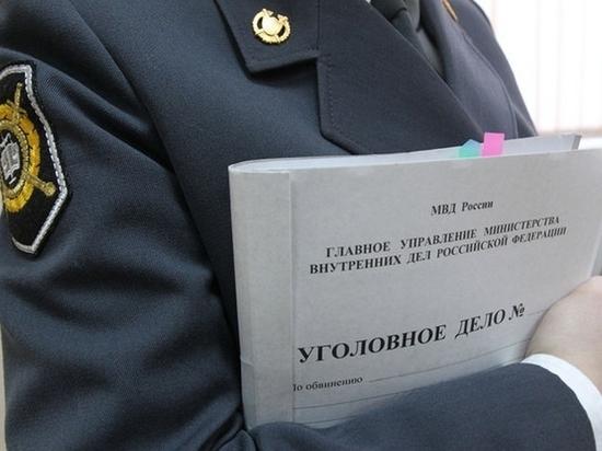 Житель Хабаровска обвиняется в убийстве сожителя матери