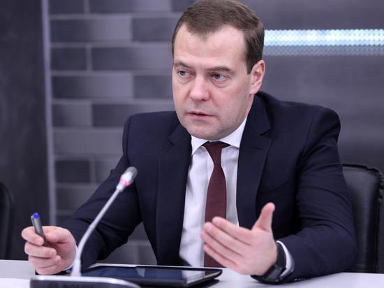 Медведев продлил льготную ставку по ипотеке на весь срок кредита