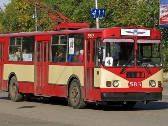 В Кирове подравшихся водителей автобуса и троллейбуса отстранили от работы