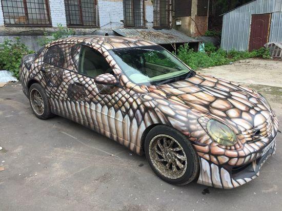 Автомобиль-змею продают в Барнауле