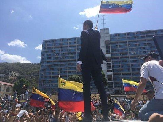 Белый дом: США рассматривают возможность военного варианта по Венесуэле