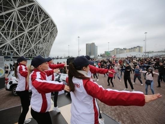 Флешмоб на «Волгоград Арене»: Лариса Ильченко провела зарядку