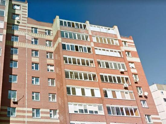 В Тюмени мальчики не удержали девочку на 10-м этаже во время селфи