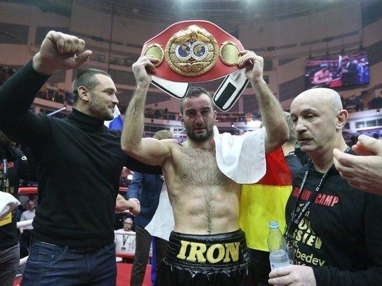 Российский боксер намерен перейти в другую весовую категорию и встретиться там со своим обидчиком из Украины