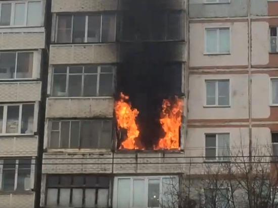 Пожар на проспекте Строителей вспыхнул из-за окурка