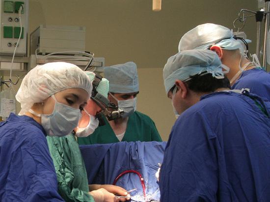 Российские врачи спасли военного, прожившего неделю с иглой в сердце