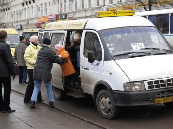 Трамвай № 5 пошёл, автобусы  и маршрутки встали