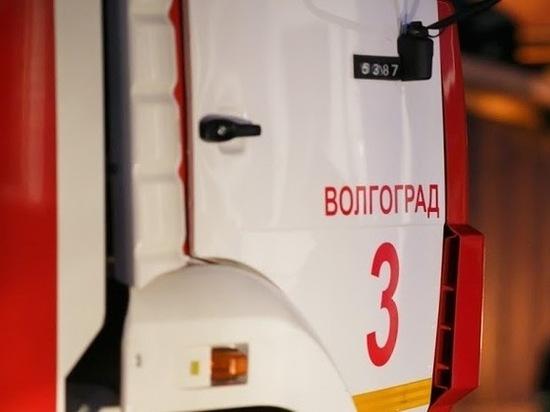 Под Волгоградом ночью дотла сгорел ВАЗ
