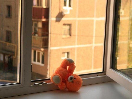 В Калуге ребенок упал с 8-го этажа