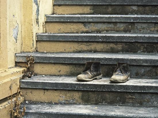Россияне не могут купить обувь: что стоит за данными Росстата
