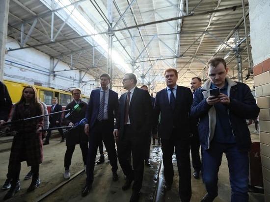 «Готового решения пока нет»: Алексей Текслер ознакомился с общественным транспортом в Челябинске