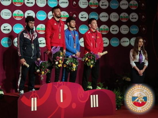 Борцы завоевали восемь наград в 10 весовых категориях