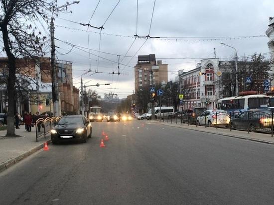 Иномарка сбила 12-летнюю девочку на переходе в центре Калуги