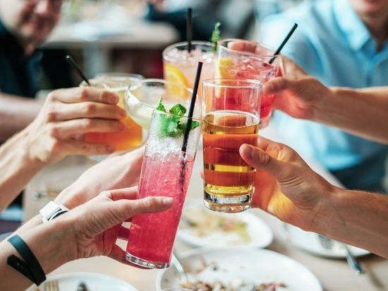 Бокал вина в день повышает риск инсульта.