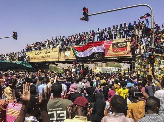 Свергли президента Судана: какое отношение к военному перевороту имеют русские