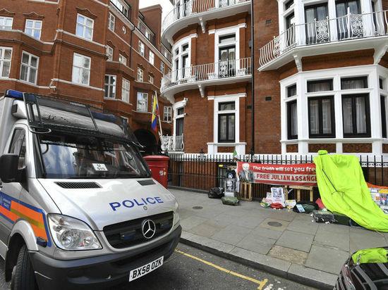 Ленин сдал Ассанжа британской полиции: ждет ли создателя WikiLeaks казнь