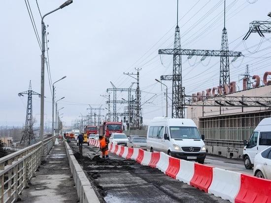 На мосту через Волжскую ГЭС впервые за много лет проводят капремонт