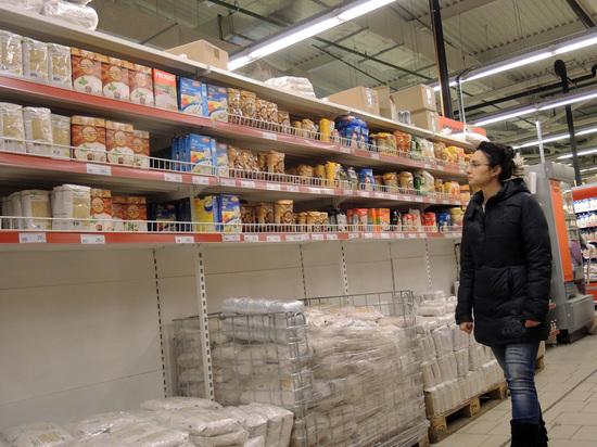 Две трети россиян сообщили, что живут в режиме жёсткой экономии
