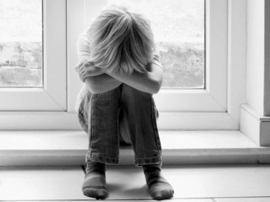 В Кирове мать оставила двух детей одних дома: семья поставлена на учет