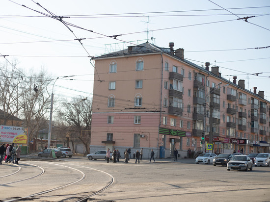 Барнаульские чиновники получали квартиры в качестве малоимущих