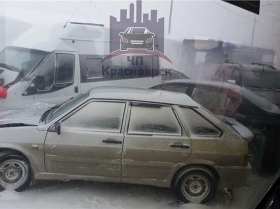 Из-за метели в Норильске на трассе произошло массовое ДТП