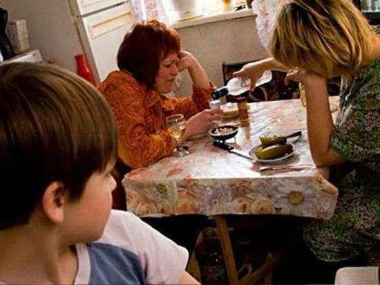 В Кирове изъяли 9 детей из 4 семей
