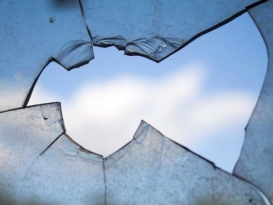 Пьяный барнаулец разбил стекло в магазине, пытаясь вынести украденный алкоголь
