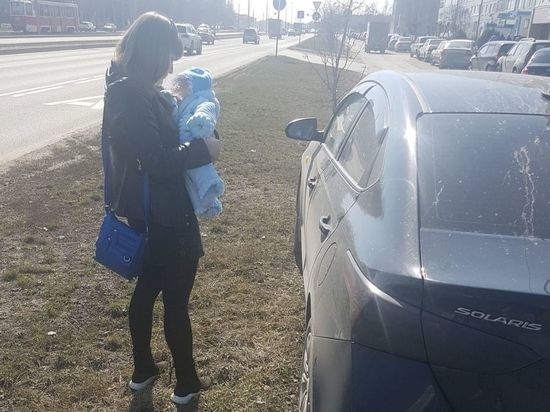 Автоледи с грудным ребенком на руках в Татарстане оштрафовали