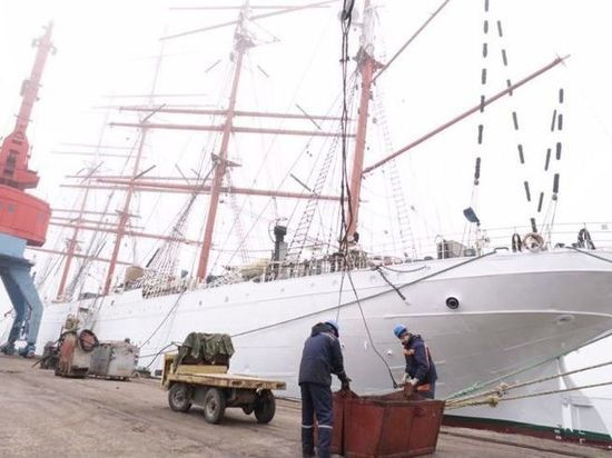 «Вслед за Эстонией»: Польша не пустила российский парусник «Седов» в свои территориальные воды