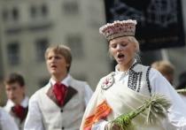 Прибалтика: без российских парусников и телеканалов, зато под кайфом