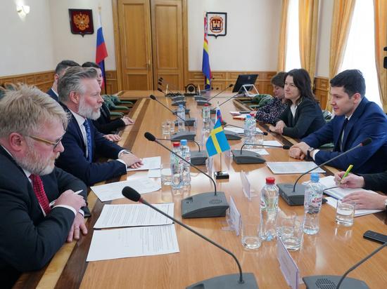 Антон Алиханов и Петер Эриксон обсудили развитие промышленного кластера в Славске