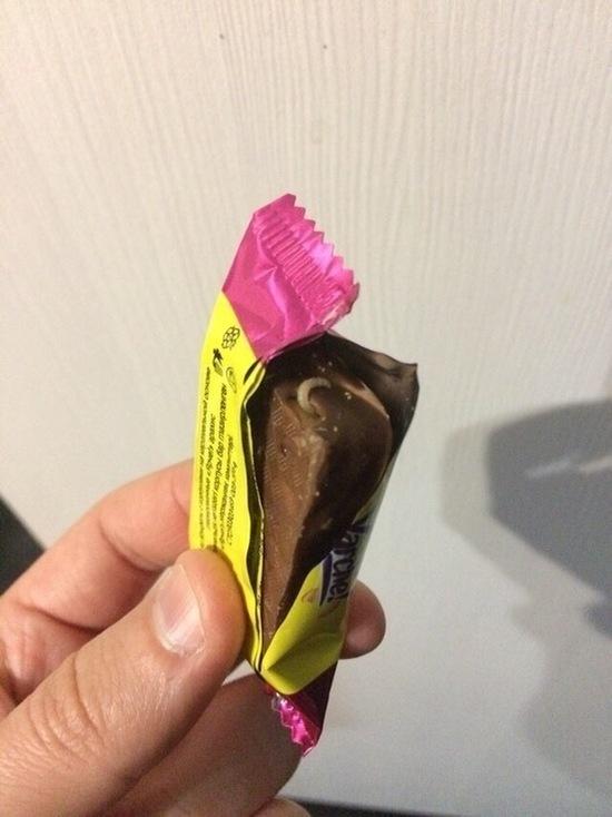 Барнаулец купил конфету с червяком
