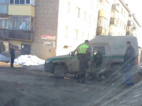 Машина инкассации насмерть сбила 88-летнюю бабушку в Омутнинске