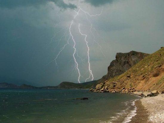 Экстренное предупреждение: через несколько часов Крым накроет шторм