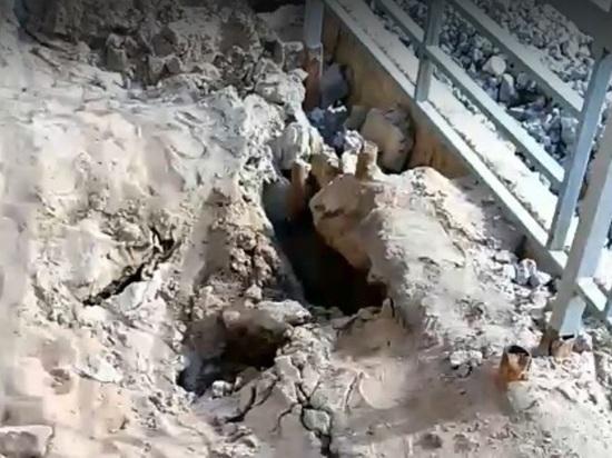 Жители города Кимры разместили в социальных сетях видеозапись с опасным тротуаром