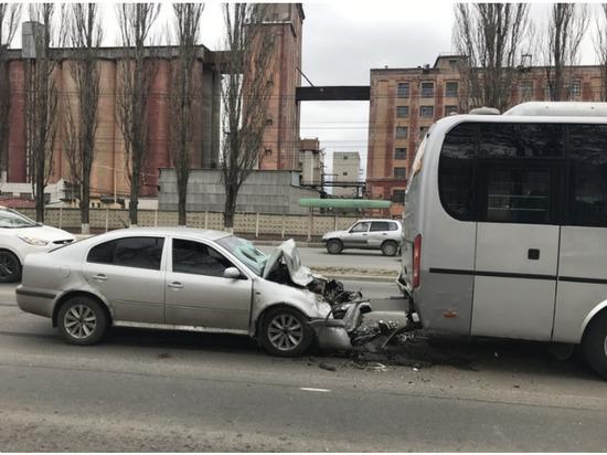 В Брянске автобус с детьми протаранил пьяный водитель без прав