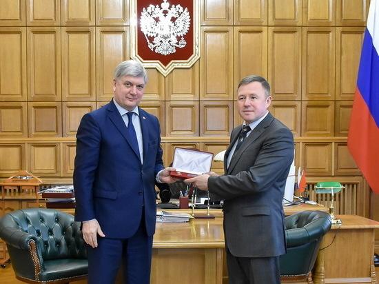 Губернатор наградил директора Воронежского заповедника Анатолия Тарасова