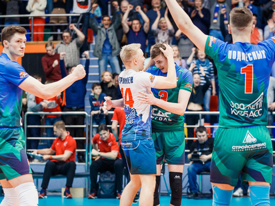 Волейбольный «Кузбасс» вышел в полуфинал Суперлиги