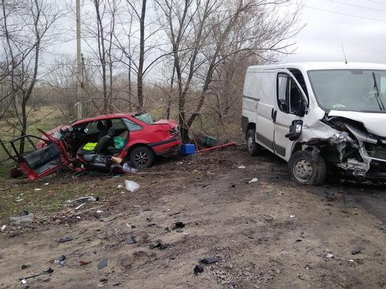В Воронеже два человека пострадали в ДТП с 3 автомобилями