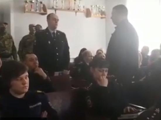В Хабаровском крае полицейского задержали на лекции о борьбе с коррупцией