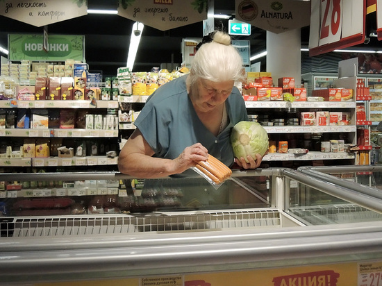 Россияне рассказали, что покупают в магазинах