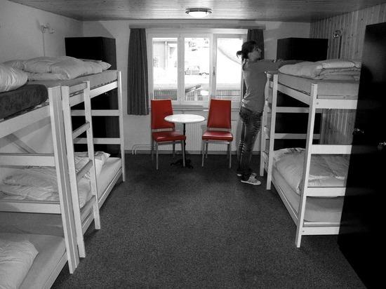Путин подписал запрещающий гостиницы и хостелы в жилых домах закон